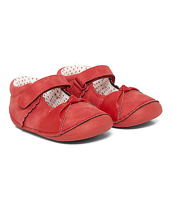 Red Knot Crawler Shoes