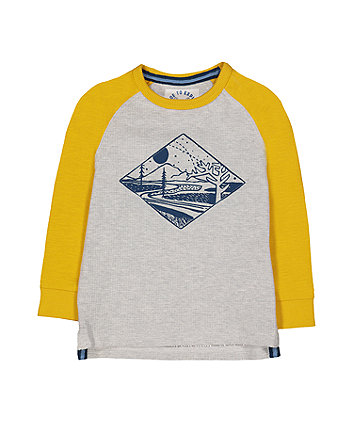Yellow Raglan Mountain Top