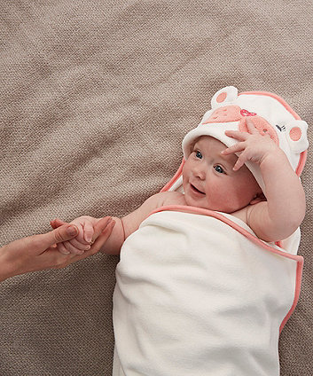 The Gro Company sophie the sea lion groswaddledry newborn bath towel (0-6 months) *exclusive to mothercare*