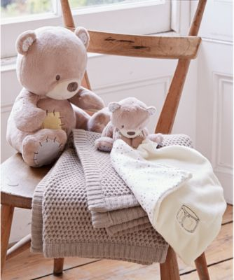 teddy's toy box knitted blanket