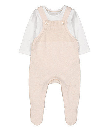 my first knitted star dungarees and bodysuit set