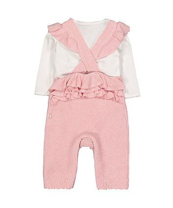 my first knitted dungarees and bodysuit set