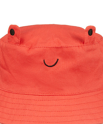 red woven crab hat
