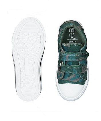 green camo trainers