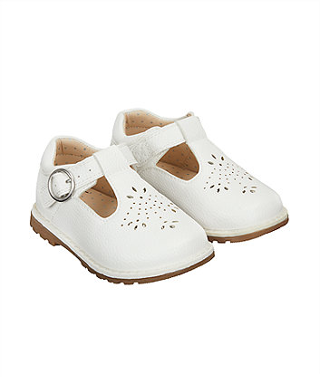 93f4b94ca32a5 Baby Crawlers   First Walking Shoes
