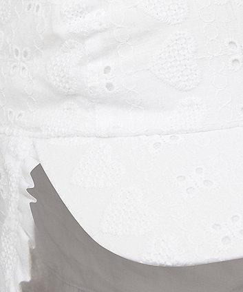 white broderie keppi hat