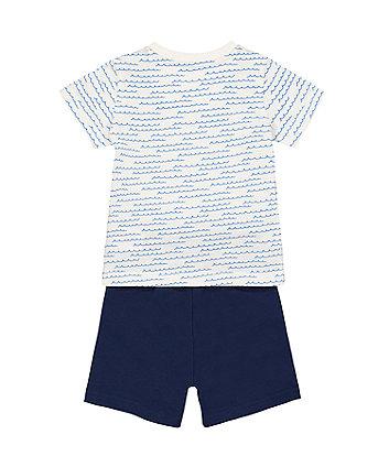 wave t-shirt and blue shorts set