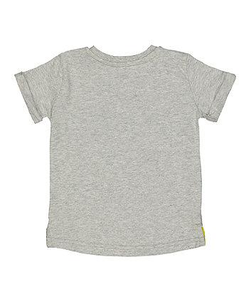 grey print t-shirt