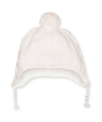 my first cream cable knit hat