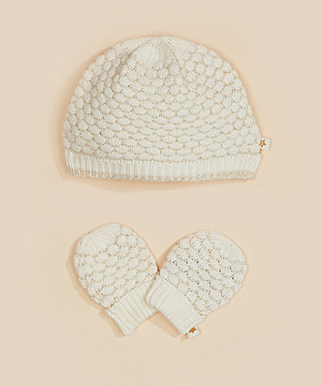 cream and gold knitted hat and mittens