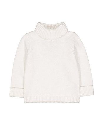 white knitted roll-neck jumper