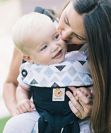 Ergobaby 360 carrier - triple triangles
